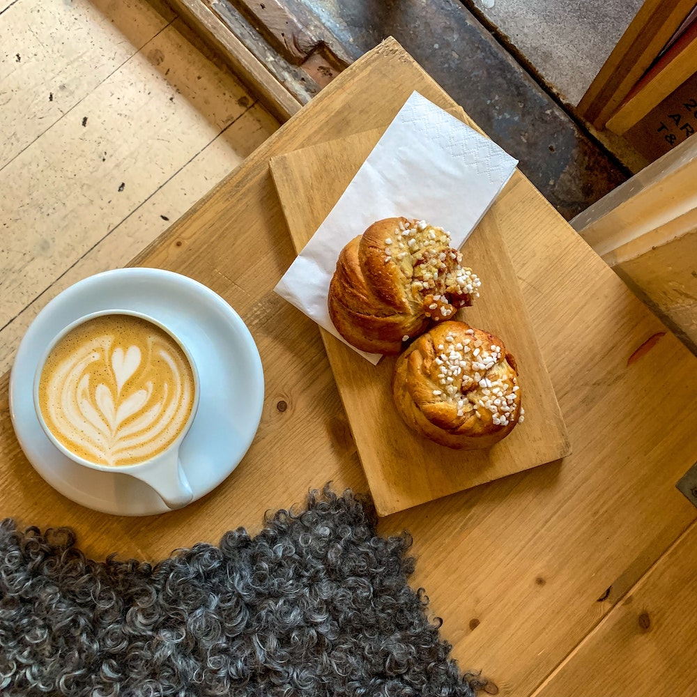 Café Merlin-background